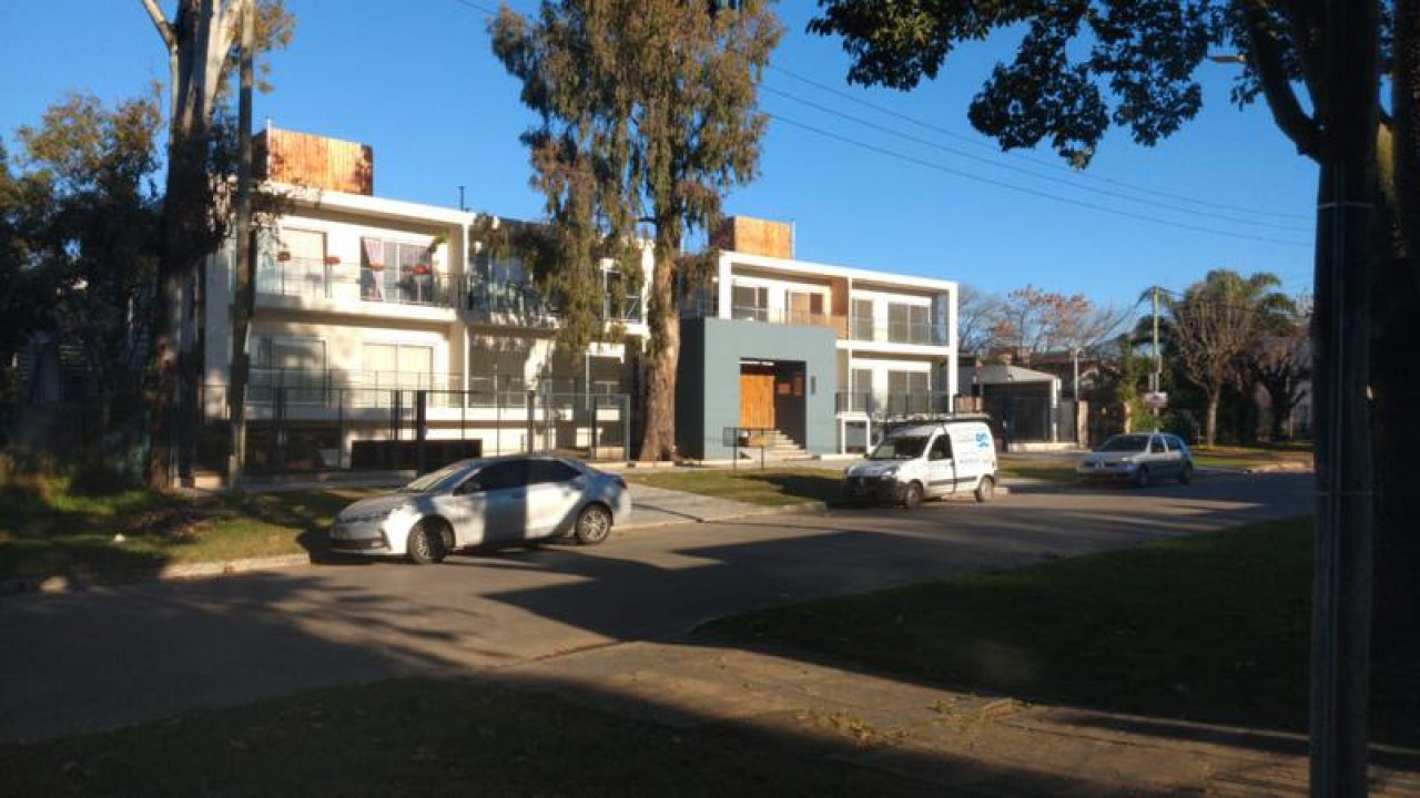 Depto 2 Amb En Complejo Belgrano Permuta Casa Mayor Valor