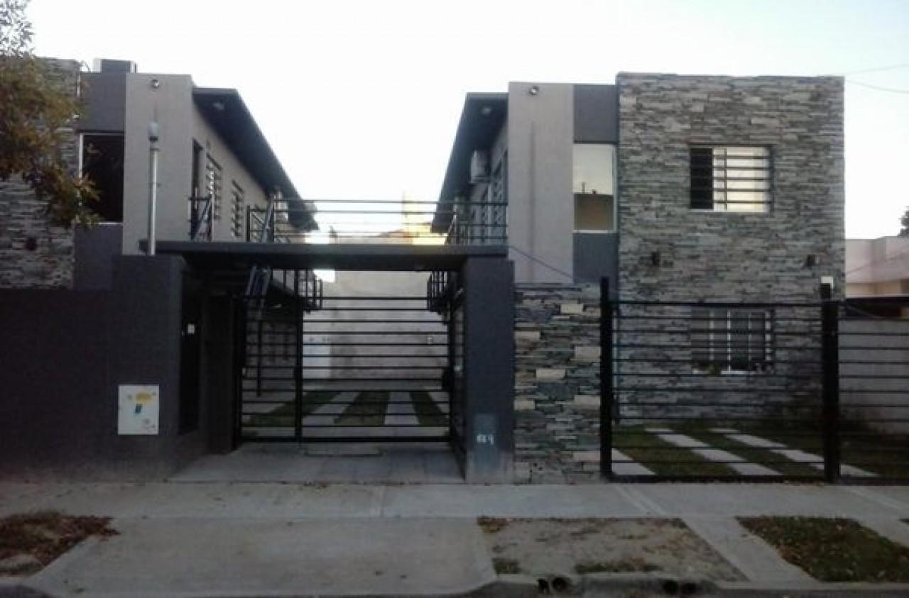 Departamento en Venta - en complejo (San Miguel)